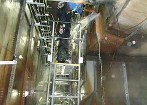 電力洞道 側壁大量漏水部